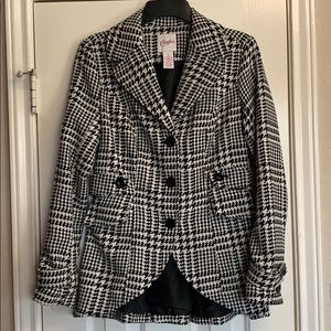 Candie's houndstooth coat Sz S Black & white